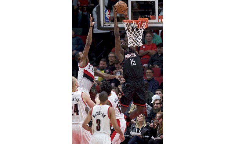 Harden anota 38 puntos, Rockets ganan 130-114 a los Blazers