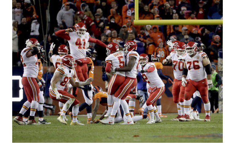 Santos da triunfo a Chiefs en último instante de la prórroga
