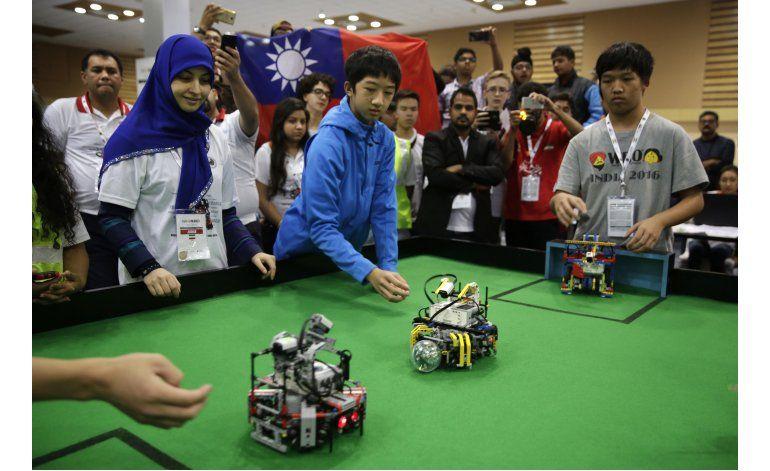 Taiwaneses ganan Olimpíada Robot estudiantil en Nueva Delhi