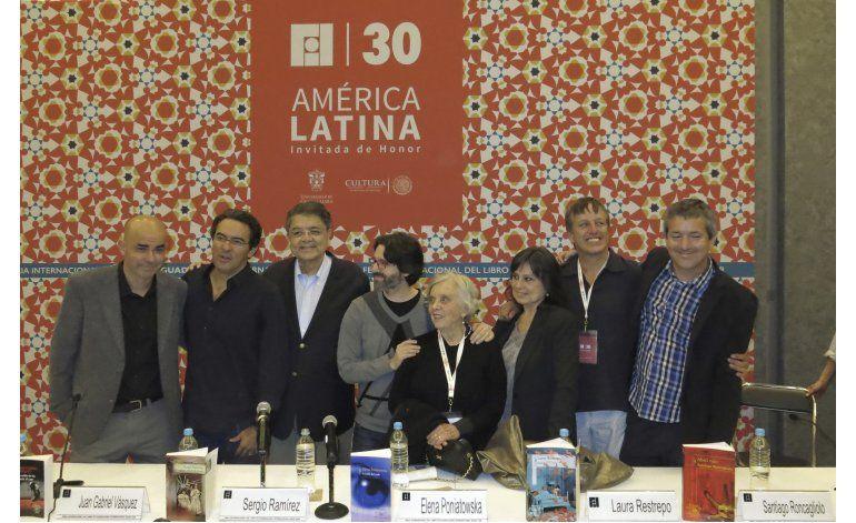 Galardonados de Alfaguara dilucidan Latinoamérica en la FIL