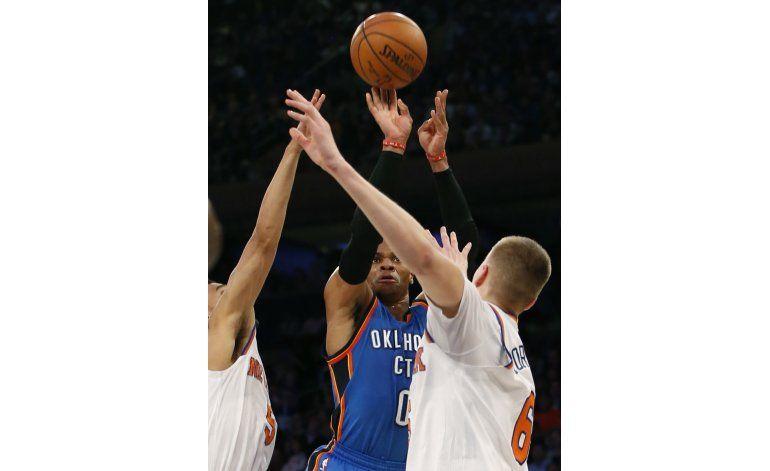 Westbrook con otro triple-doble, OKC frena a los Knicks