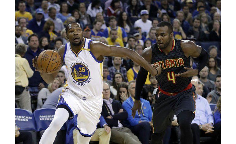 Kevin Durant lidera a Warriors en triunfo ante Hawks 105-100