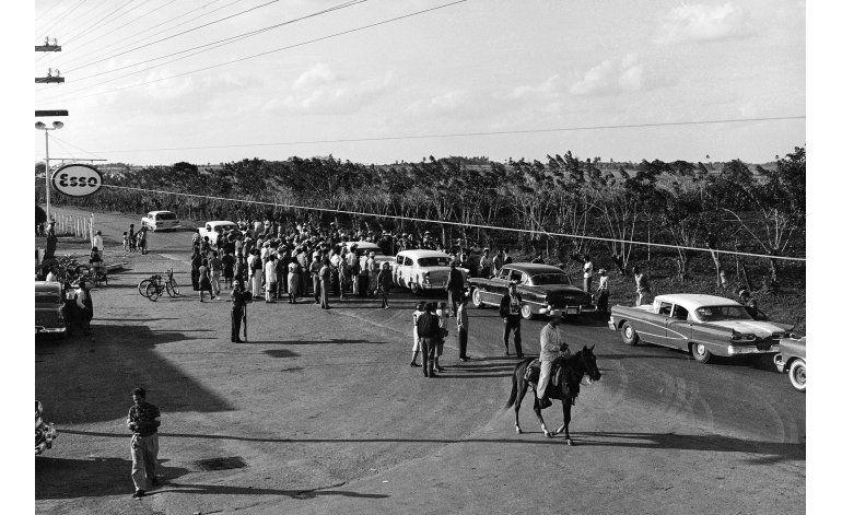 Ruta al descanso final de Castro sigue la huella del pasado