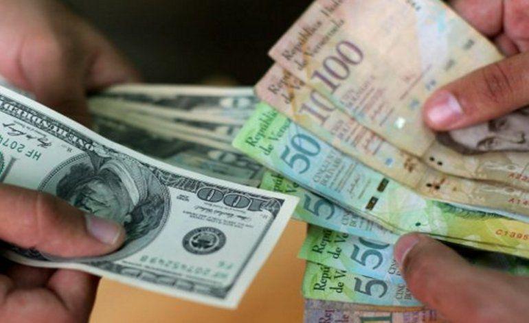 Moneda venezolana pierde un 30 por ciento su valor frente al dólar en tan solo 48 horas