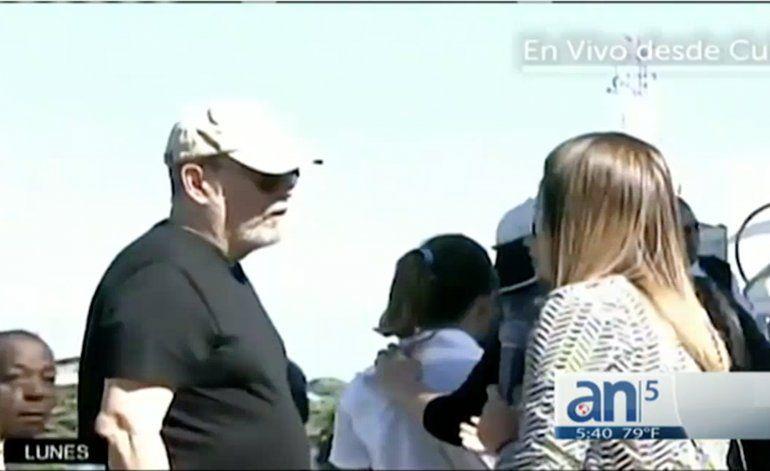 Desplante de cantante Silvio Rodríguez a reportera de TV cubana
