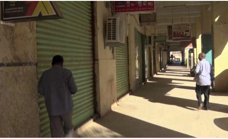 Sudán veta a otros 3 diarios por reportes de huelga general