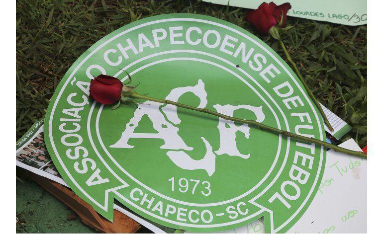 Afición Chape llena catedral, cancha para recordar víctimas