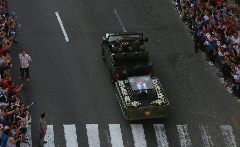 Condenado a un año de cárcel por no respetar funerales de Fidel Castro