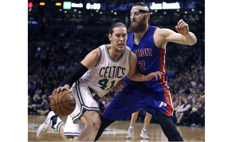 Caldwell-Pope comanda el equilibrado ataque de Pistons