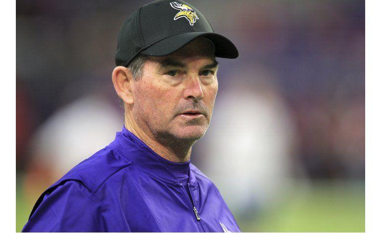 Coach de Vikings se somete a cirugía ocular de emergencia