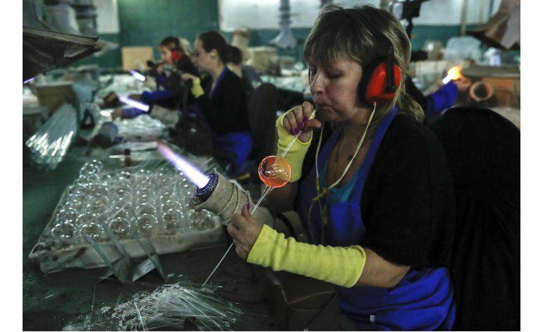FOTOS: Antigua fábrica de decoraciones navideñas en Rusia