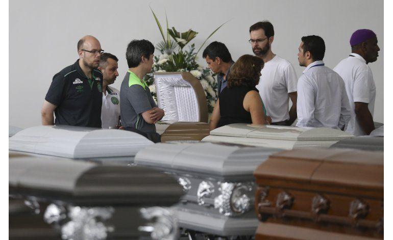 Bolivia suspende permiso de vuelo a LaMia tras accidente