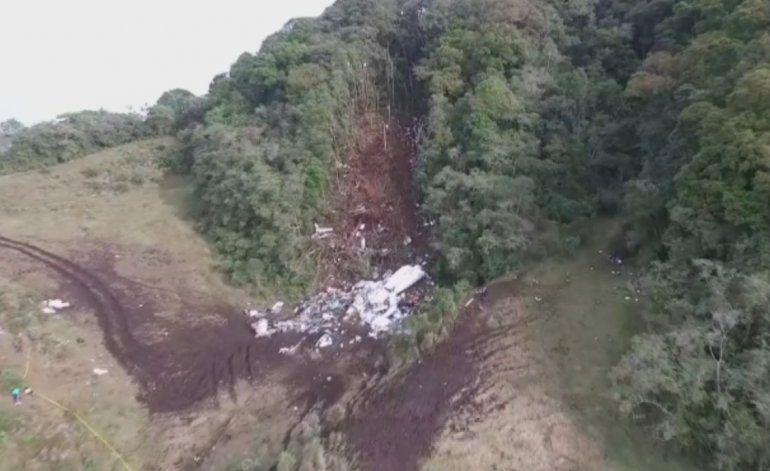 Confirman que el avión que cayó en Colombia con los futbolistas brasileños se había quedado sin gasolina