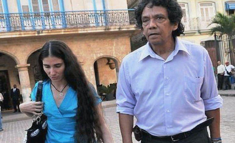 El régimen cubano detuvo al periodista Reinaldo Escobar en una estación policial durante más de dos horas