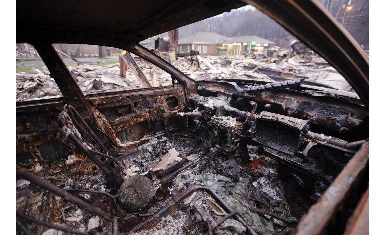 Tennessee: Sube a 11 cifra de muertos por incendio forestal