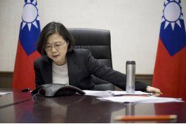 trump habla con la presidenta de taiwan, molesta a china