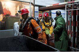 mueren 32 personas por explosion en mina en china