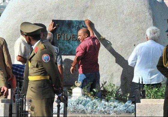 Salen nuevas imágenes del entierro del dictador Fidel Castro
