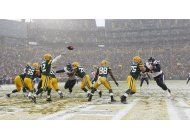 packers regresan al promedio de.500 al vencer a texans 21-13