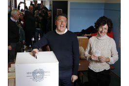 primer ministro italiano presentara renuncia tras referendo