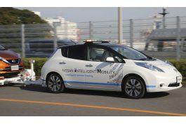 nissan prueba autos sin conductor en una planta de japon