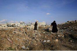 lo perdimos todo, sirios regresan a la devastada aleppo