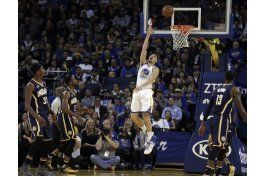 klay thompson anota 60 para warriors en triunfo ante pacers
