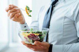 el peligro que ocultan las ensaladas empaquetadas