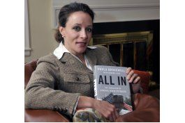 paula broadwell: petraeus al gabinete, sorpresa desagradable