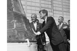 muere john glenn, primer estadounidense en orbitar la tierra