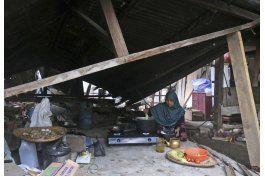 presidente de indonesia visita a sobrevivientes de sismo