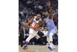 anthony lidera a knicks en triunfo por 103-100 sobre kings