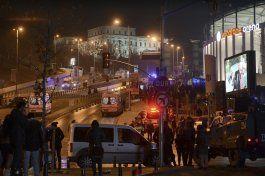 explosiones cerca estadio de futbol turco dejan 20 heridos