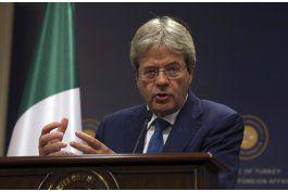 piden a canciller italiano que sea nuevo premier