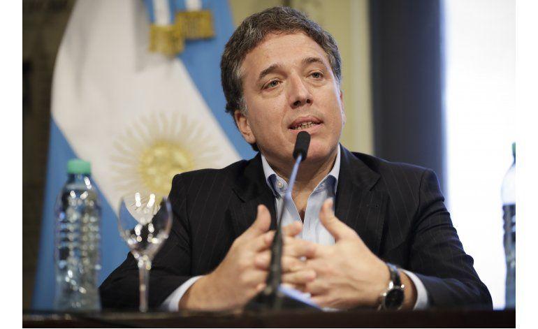 Nuevo ministro argentino admite vínculos con Trump