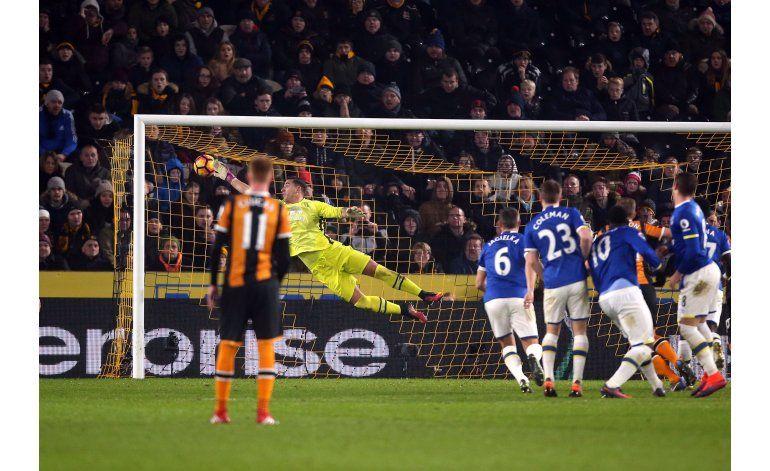 Barkley rescata empate de 2-2 para Everton ante Hull