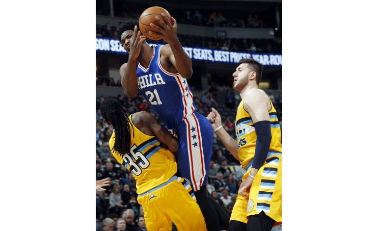 76ers survive late flurry to beat Nuggets 124-122