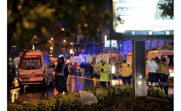 Al menos 39 muertos en ataque en club nocturno en Estambul