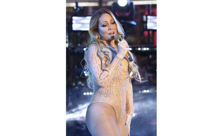 Mariah Carey deja de cantar en su actuación en Times Square