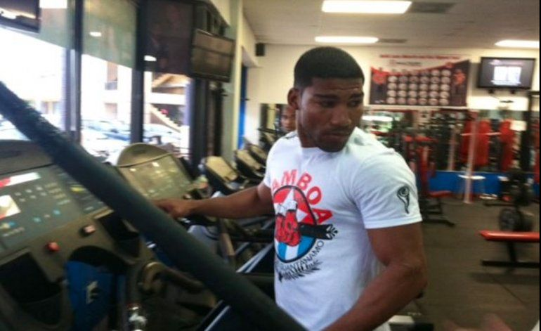 [Video ]Yuriorkis Gamboa se enreda en una pelea en su gimnasio de Miami