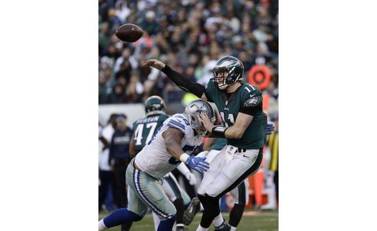 Romo lanza para touchdown en derrota de Cowboys ante Eagles