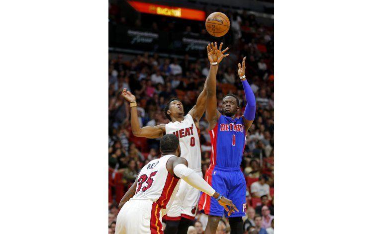Pistons remontan y vencen 107-98 al Heat