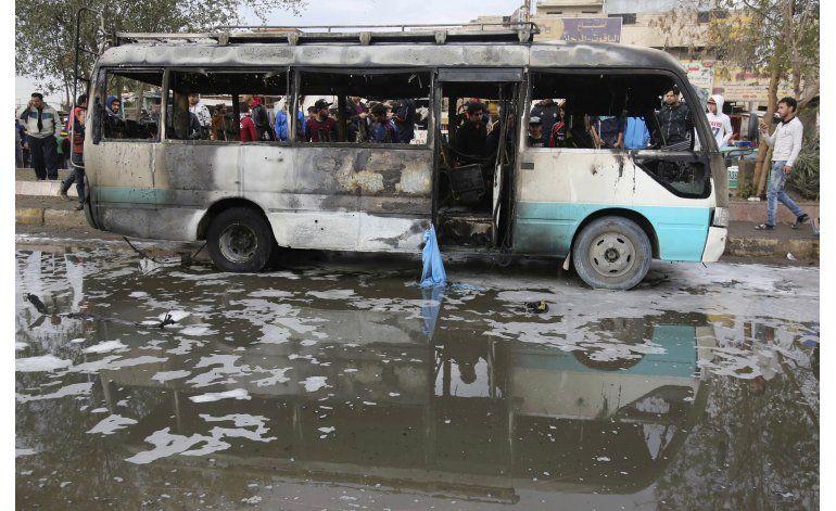 Camioneta bomba deja 36 muertos en mercado de Bagdad