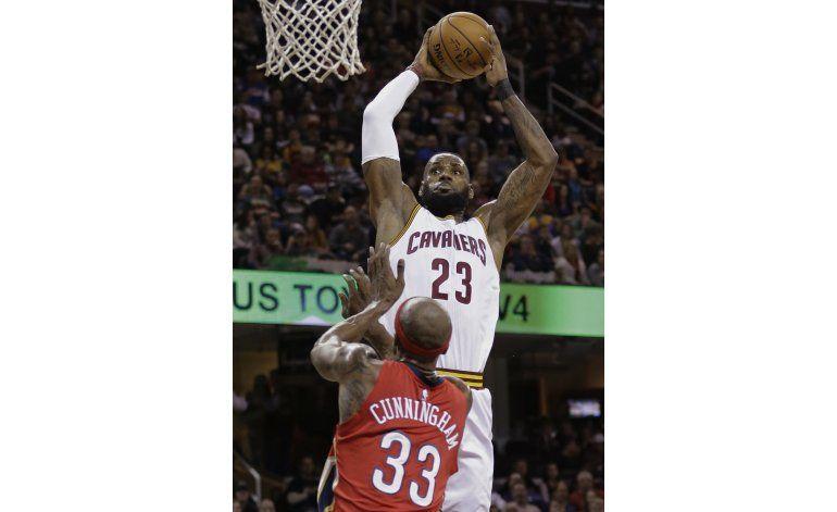 LeBron anota 26 puntos en victoria de Cavs ante Pelicans