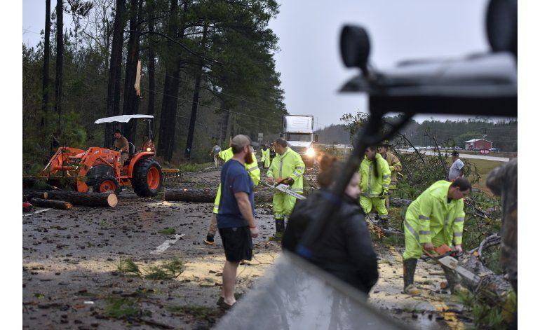 EEUU: Comienza limpieza tras tormentas que dejaron 5 muertos