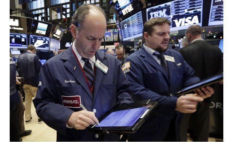 Wall Street sube en su primer día de 2017
