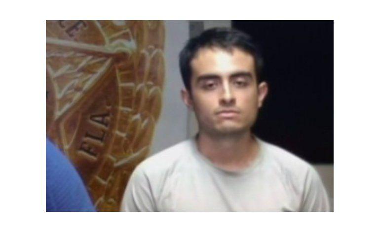 Detienen a hispano acusado de grabar mujeres por debajo de la falda