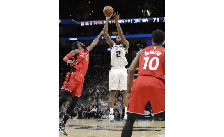 Los Spurs limitan a los Raptors a 82 puntos