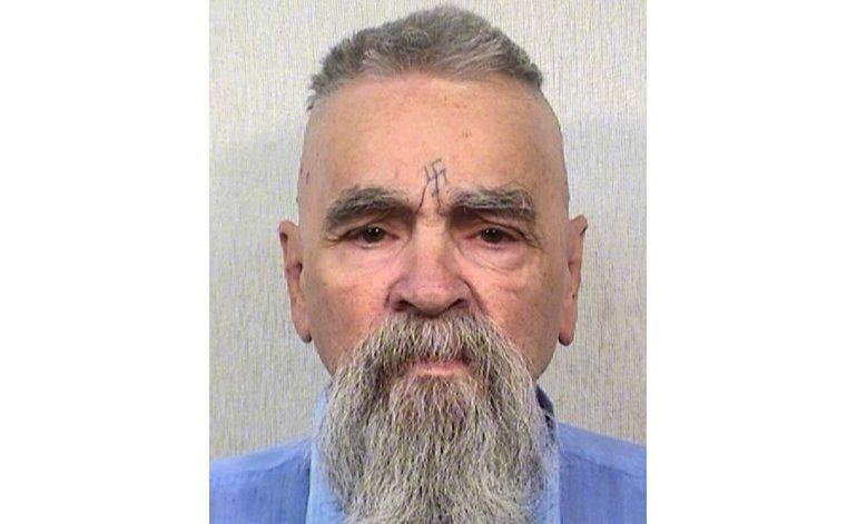 Charles Manson está vivo, confirma funcionario de California