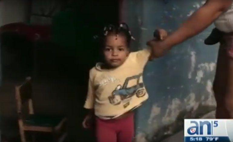 Cubanos Viven en Barracones de esclavos del siglo XIX